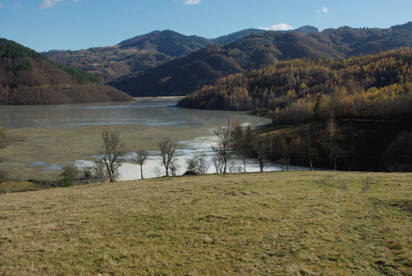 http://bogdanbalaban.ro/spaw2/uploads/images/ValeaSesii/IMGP2475.JPG